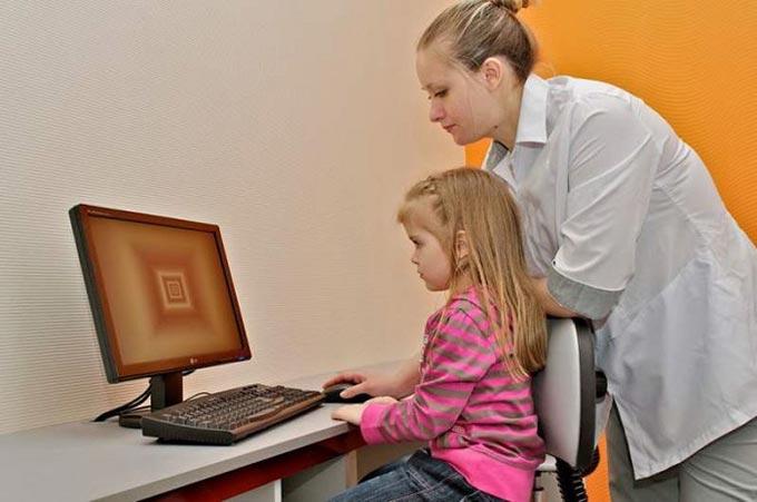 прогрессирующая миопия у ребенка
