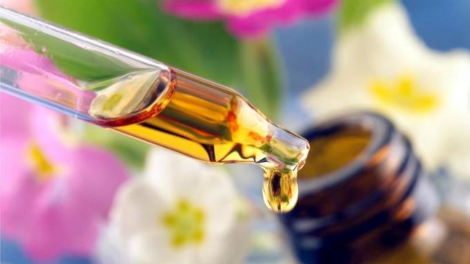 Капли при астигматизме, обзор витаминов для глаз, полезные советы
