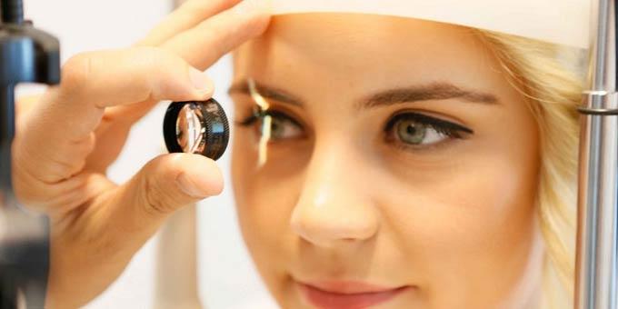 признаки дистрофии сетчатки глаза