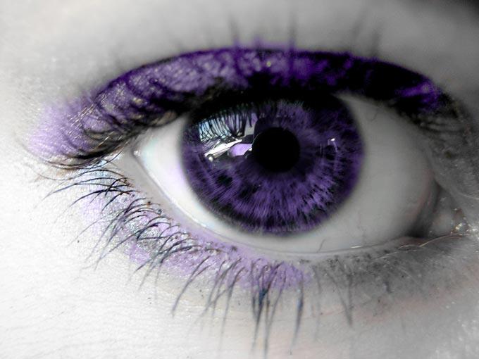 фиолетовые глаза от природы