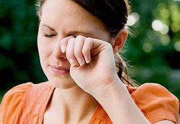 8 советов в ситуациях, когда чешется глаз