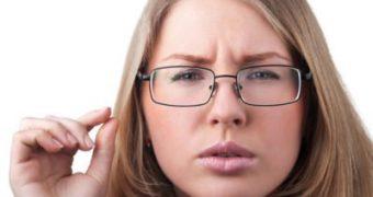 Возможно ли лечение астигматизма без операции в домашних условиях?