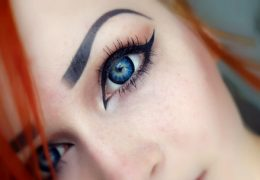 Выбор цветных контактных линз